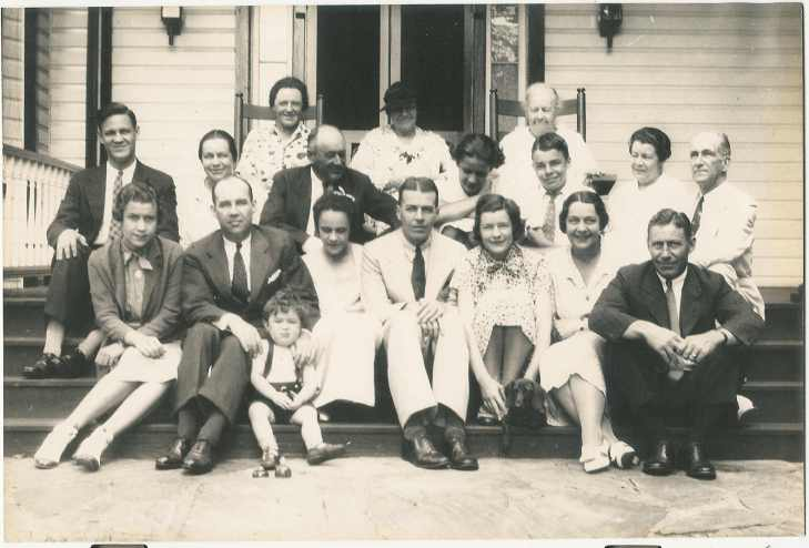 HDFleming 1936 with family B.jpg