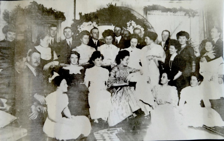 Nov. 9, 1909 at Green Mont, Frances' wedding eve.jpg