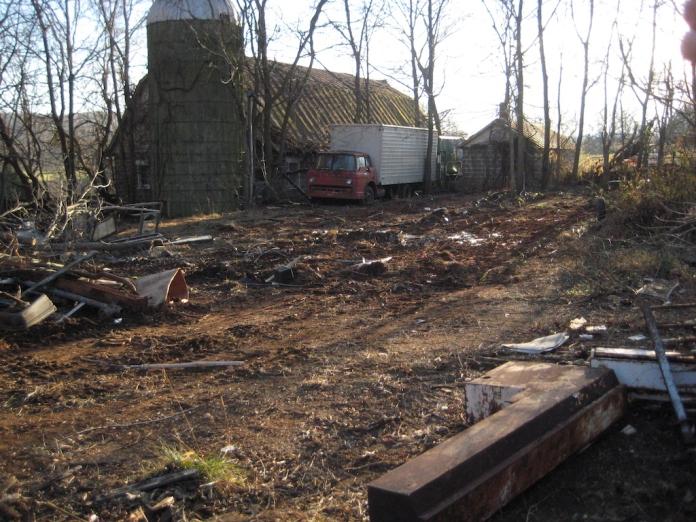 08 barnyard Nov. 22, 2014.jpg